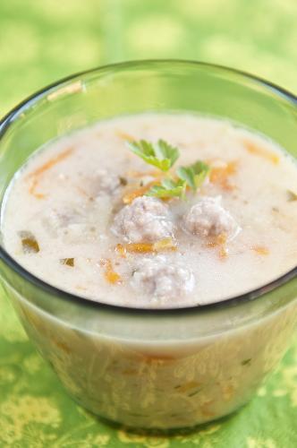 Arabska zupa jogurtowa