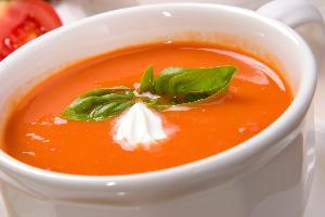 Zupa ze świeżych pomidorow
