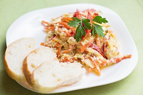 Naturalne Gotowanie - Jajecznica z sałatką naddunajską