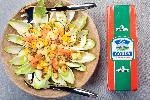 Pożywna i zdrowa sałatka z zimową cykorią i żółtym serem